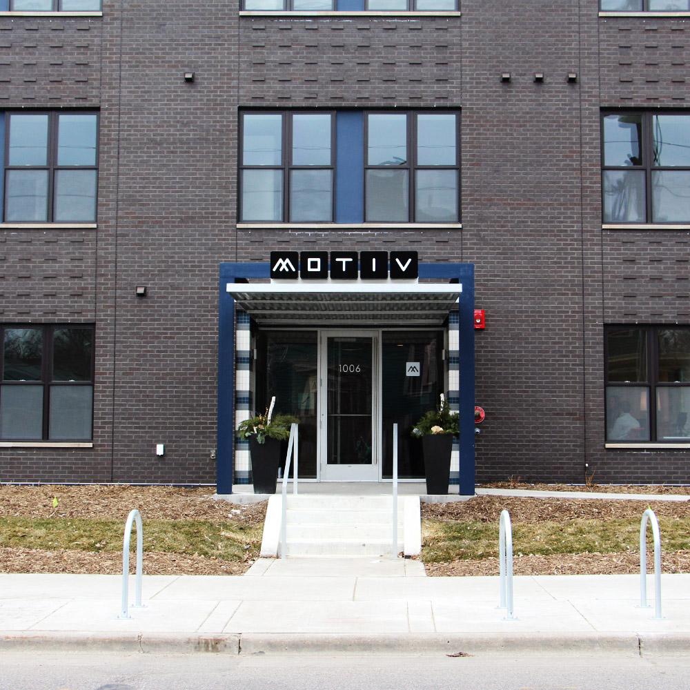 motiv-exterior-entry